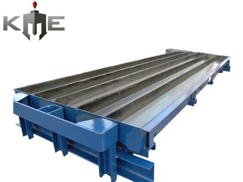 Steel molds for precast concrete