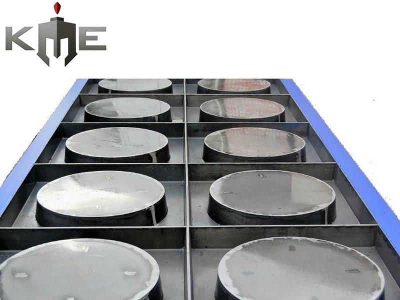 Gang Steel molds for precast concrete