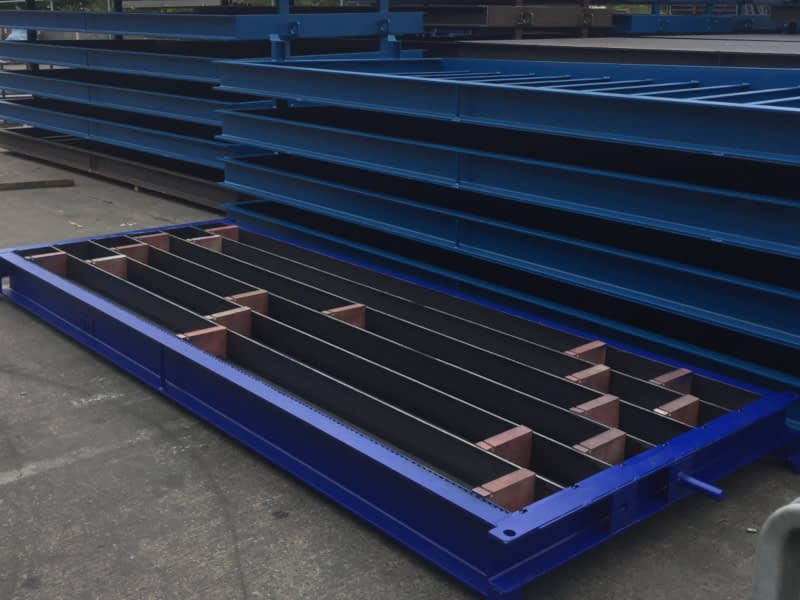 Adjustable Sill Mould with Rubber Stoppers